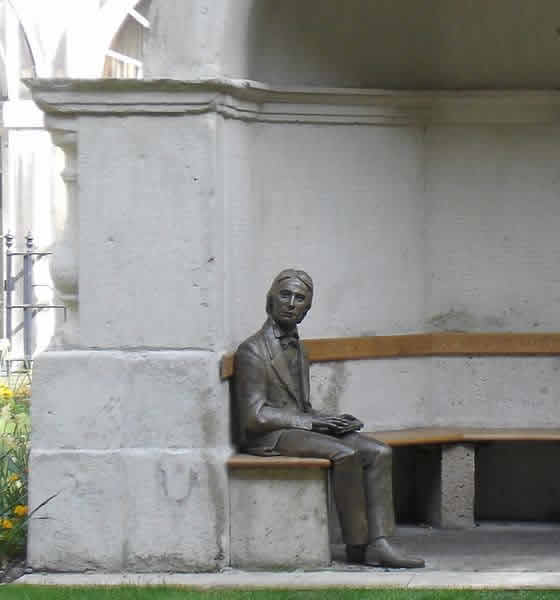 The statue of Keats at Guy's Hospital, by Stuart Williamson, unveiled October         2007